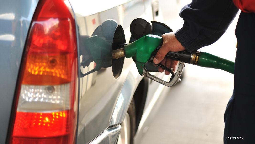 Prețul petrolului în ascensiune bruscă în urma anunțului făcut de Donald Trump către Rusia