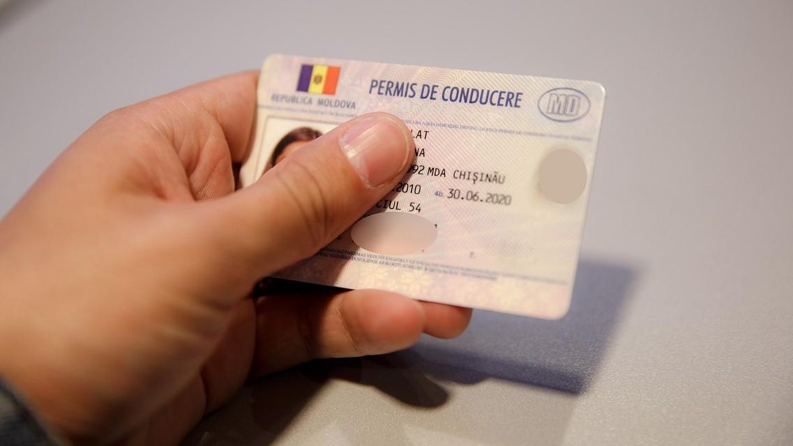 """Pentru """"eliberarea"""" permisului de conducere un bărbat din Bălţi riscă până la 6 ani de puşcărie"""