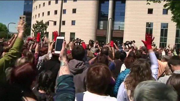 PROTESTE în Spania, pentru a treia zi consecutiv: peste 30.000 de mii de oameni au ieşit în stradă (VIDEO)