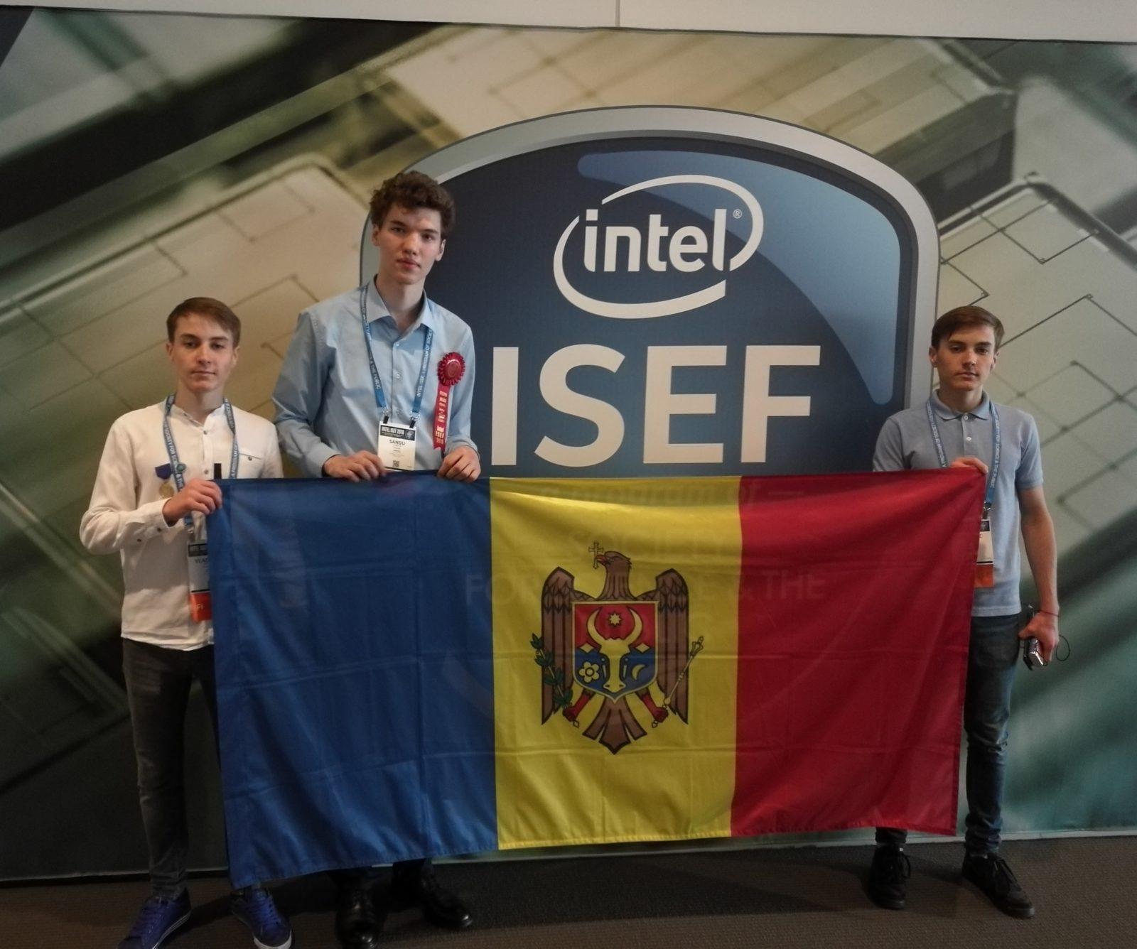 """Elevii din Moldova a obținut locul II la Concursul internațional de Științe și Inginerie """"Intel ISEF"""""""