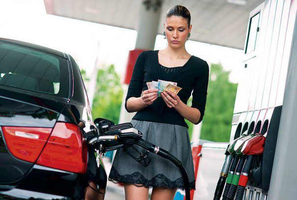 Se scumpește benzina și motorina