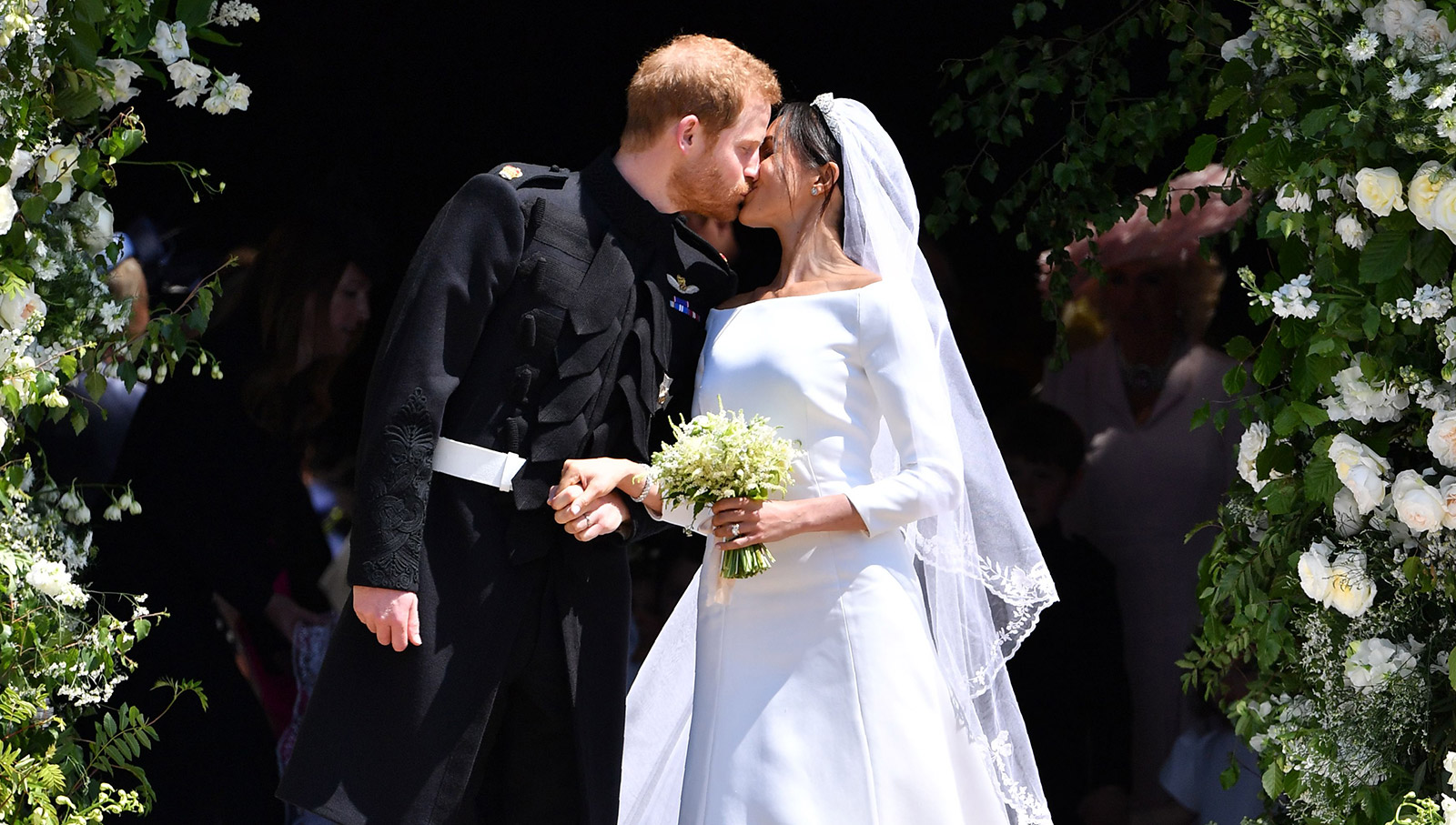 Poza care a stârnit revoltă în  ziua nunții regale. Meghan Markle a fost comparată cu o bomboană