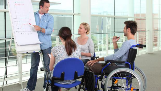 Statul ar putea oferi subvenţii angajatorilor care vor oferi locuri de muncă pentru șomeri și persoane cu dizabilități
