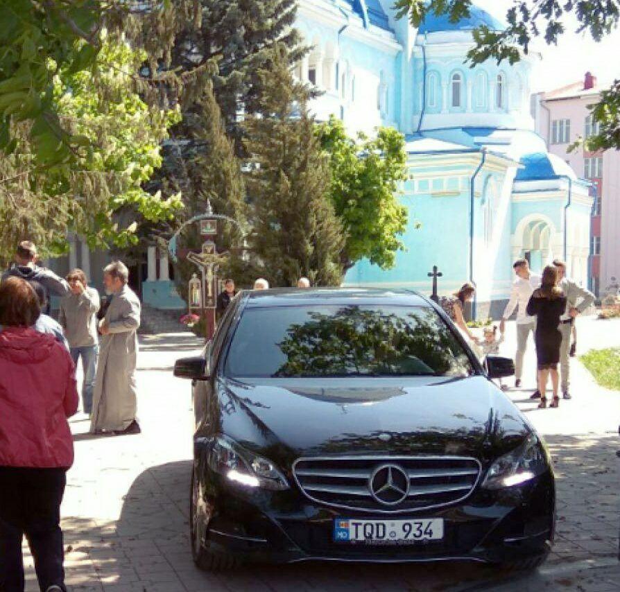 FOTO | Noul Mercedes de lux al Episcopului Marchel. Mitropolia: Ne depășește!