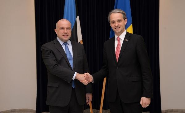 Eugen Sturza: Moldova doreşte să contribuie la menţinerea  păcii internaționale
