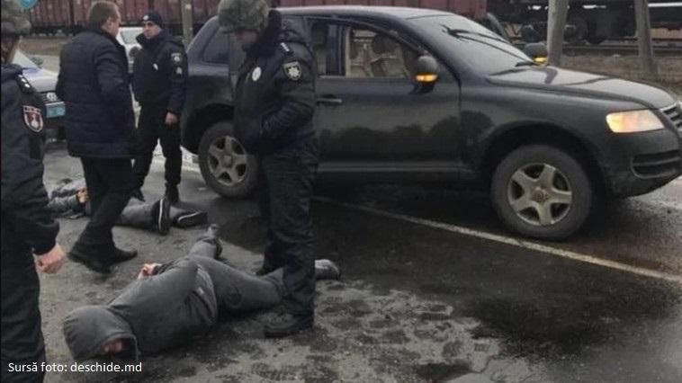 Trei killeri moldoveni reținuți la Odesa, transferați în arest la domiciliu