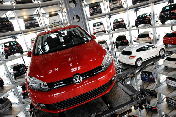 Comisia Europeană descoperă noi modalităţi de manipulare a testelor de către producătorii de maşini