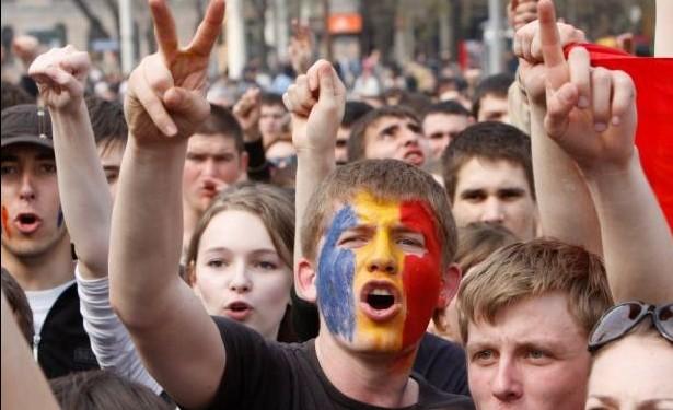 De ce nu ies tinerii la proteste?