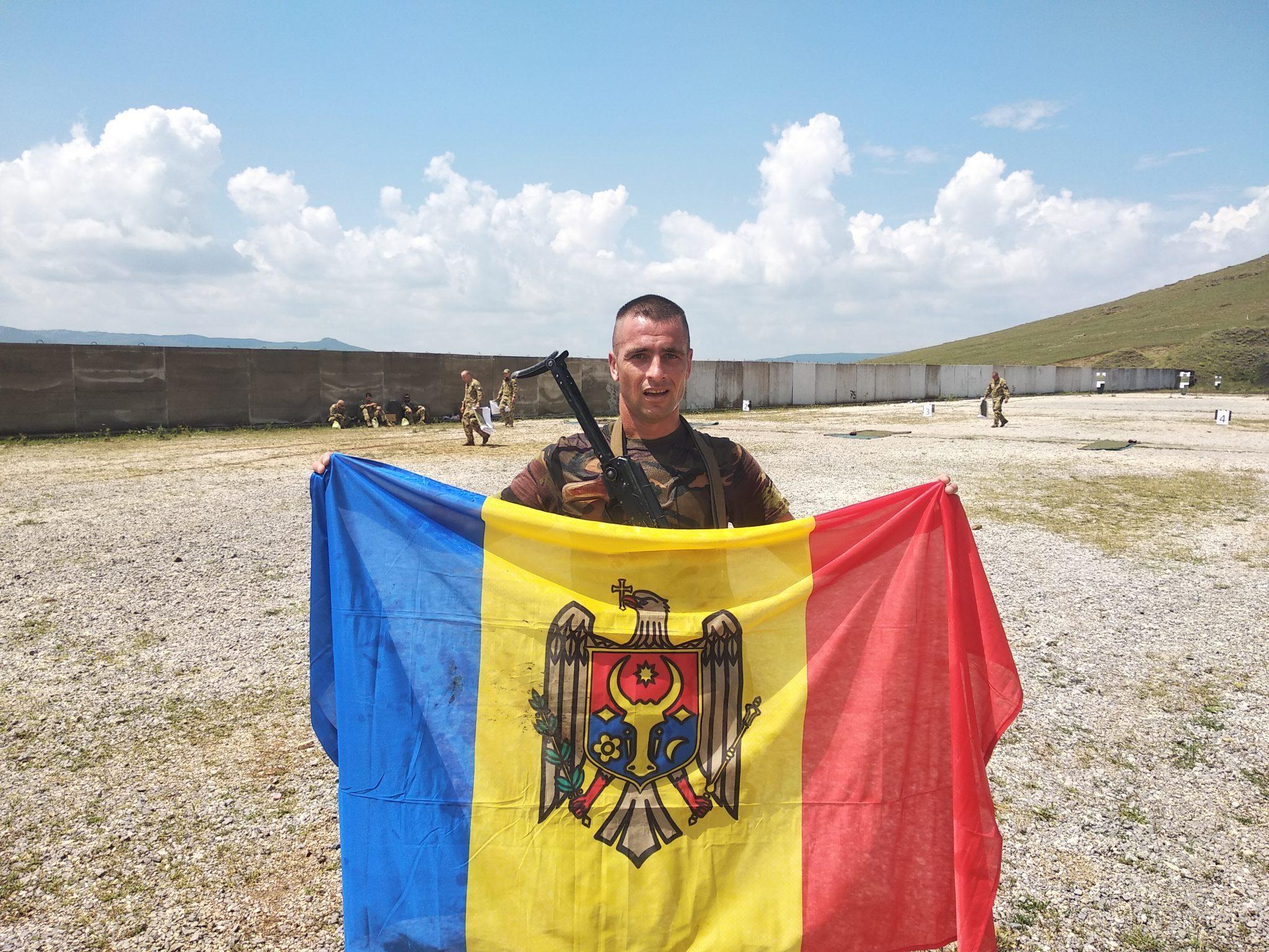 Doi militari moldoveni din KFOR – câştigători la biatlonul din Kosovo