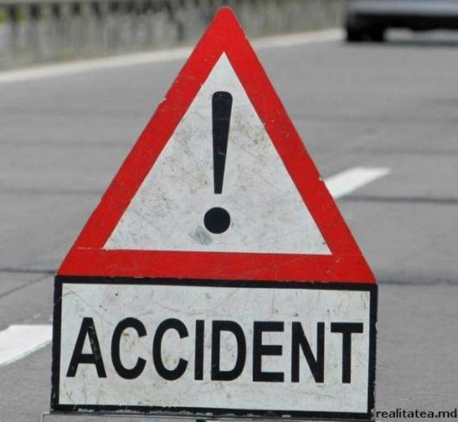 Minor de 14 ani, lovit pe o stradă din Bălți în timp ce traversa strada neregulamentar