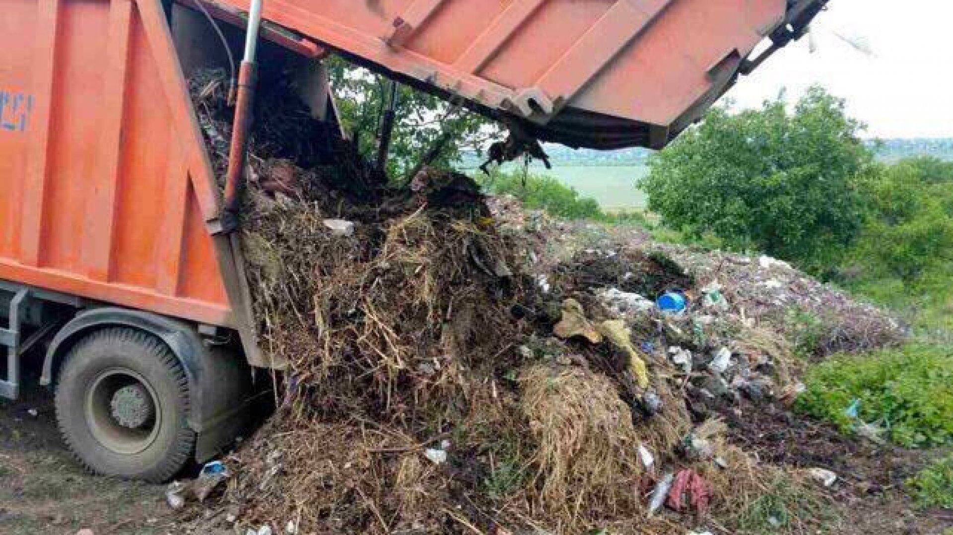 """O altă etapă a """"crizei gunoiului"""" la Bălți"""