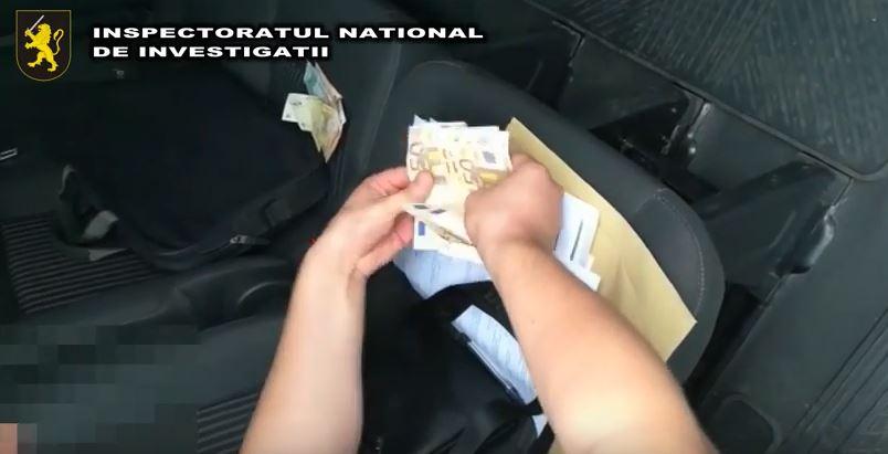 Doi bărbați din Chișinău sunt cercetați penal pentru șantaj (VIDEO)
