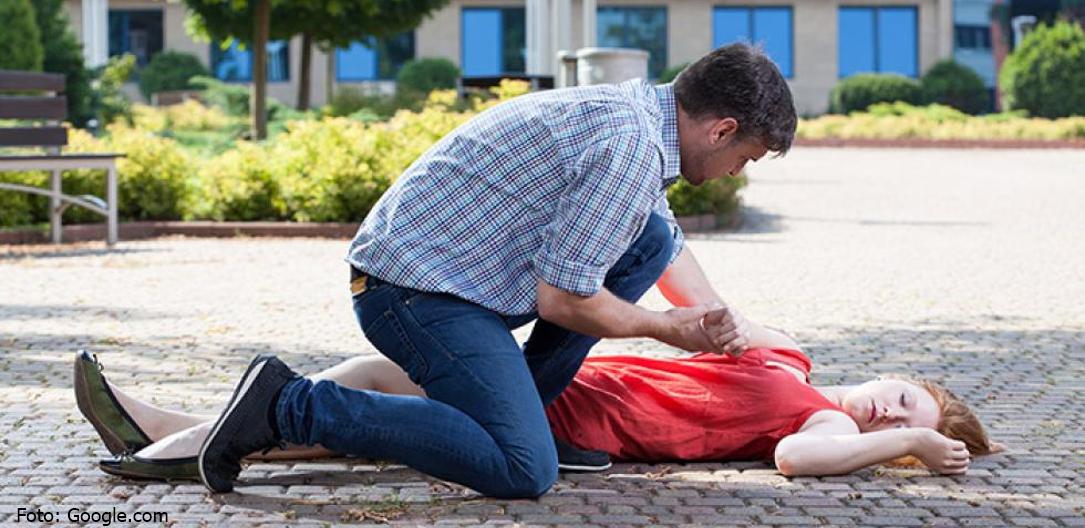 Cum poți salva o persoană ce suferă o criză epileptică în stradă?