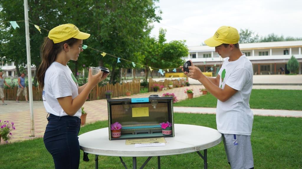 VIDEO | Soarele, vântul și apa – aliații tinerilor inventatori eco