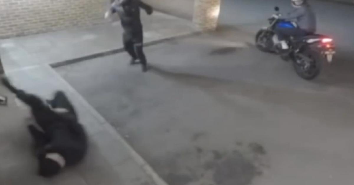 Jaf eșuat: un hoț și-a lovit în cap complicele și l-a băgat în spital