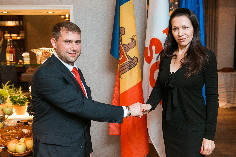 Europarlamentara care iubește Moldova lui Șor, Filip și Candu