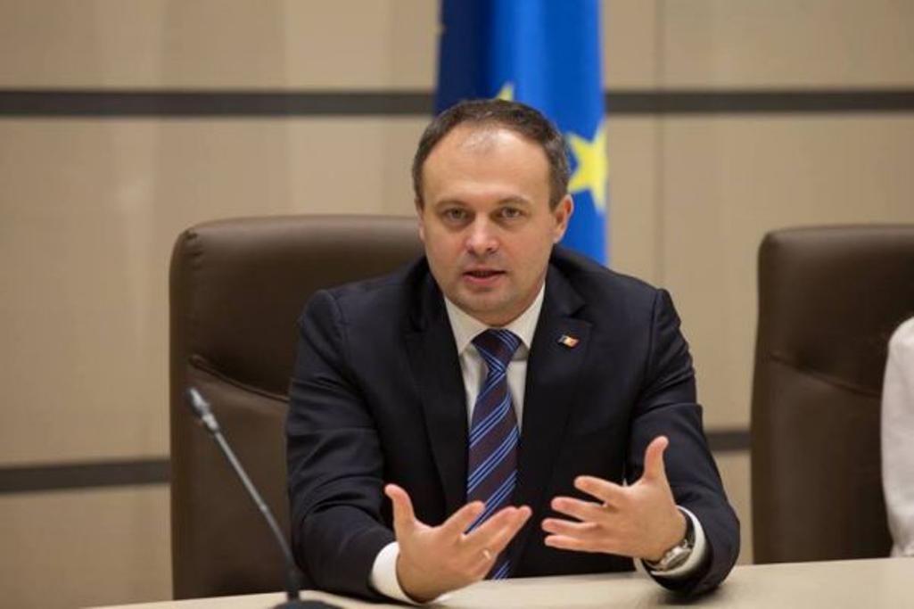 """Candu spune că PD le oferă celor de la ACUM funcția de premier, dar susține că și Vlad Plahotniuc """"s-ar descurca foarte bine"""""""