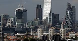 Începe marele exod în City-ul londonez, mii de angajaţi vor fi mutaţi
