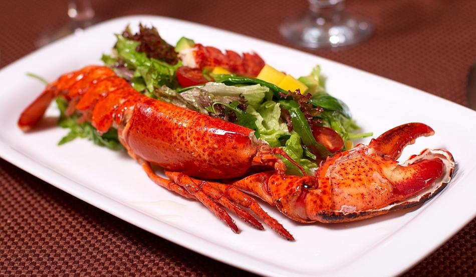 """Canabis pentru """"a destinde"""" homarii înainte de gătire"""