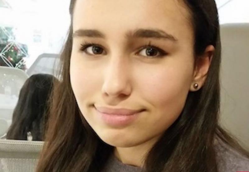 O tânără a murit după ce a mâncat un sandviș în avion
