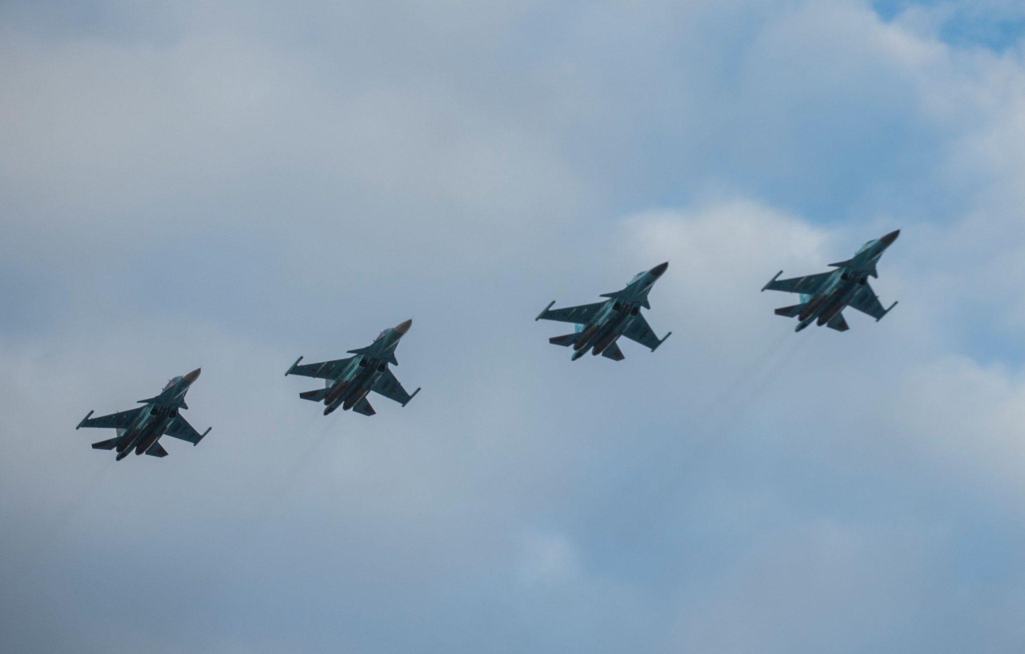 Spionajul ucrainean: Rusia a dislocat circa 500 de avioane militare la granița cu Ucraina