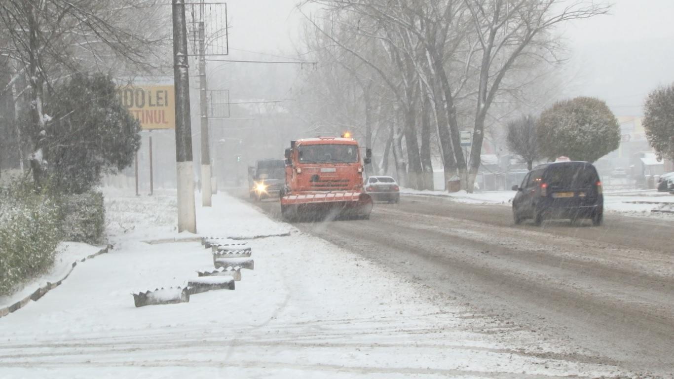 Drumarii din Bălți au făcut față ninsorilor, nu ca anul trecut