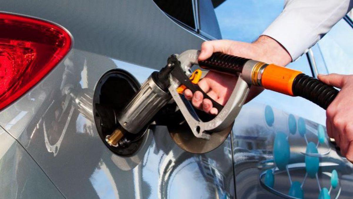 Gazul lichefiat s-a scumpit la unele stații PECO cu 30-40 de bani per litru