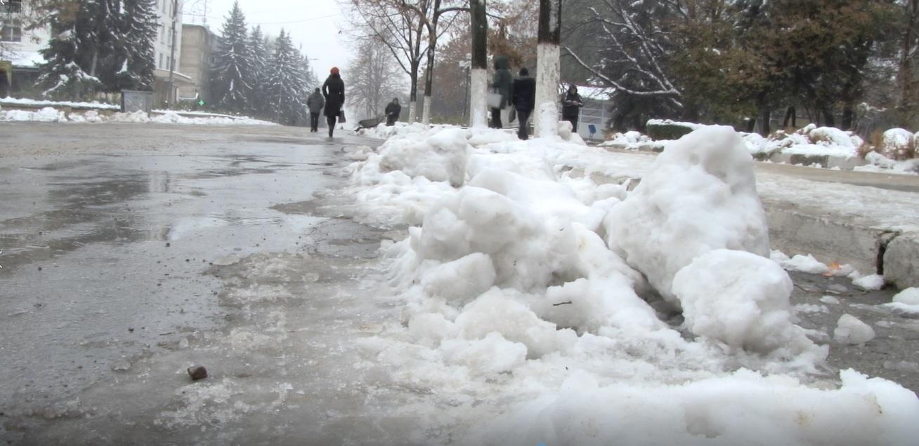 Бельцкие улицы опаснее горных спусков: женщина сломала позвоночник