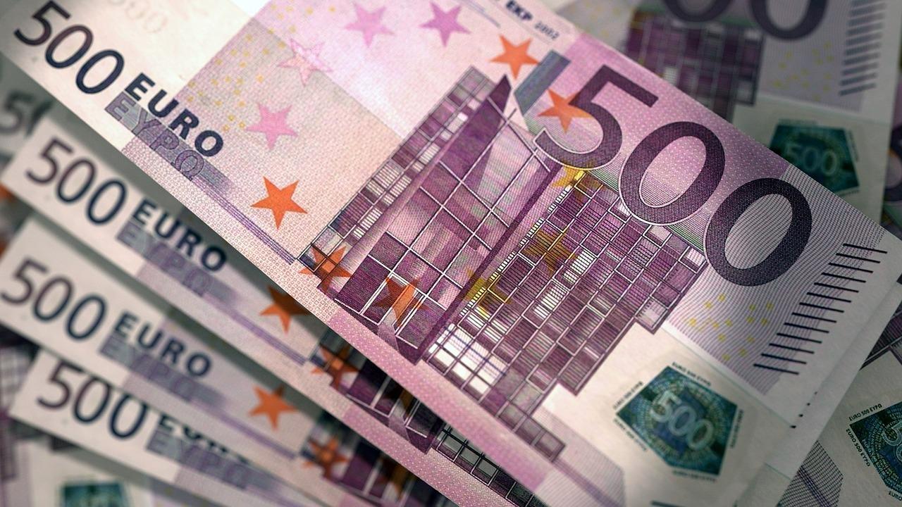 Comisia Europeană a aprobat plata tranşei de 500 mln euro din cadrul programului de asistenţă macrofinanciară pentru Ucraina
