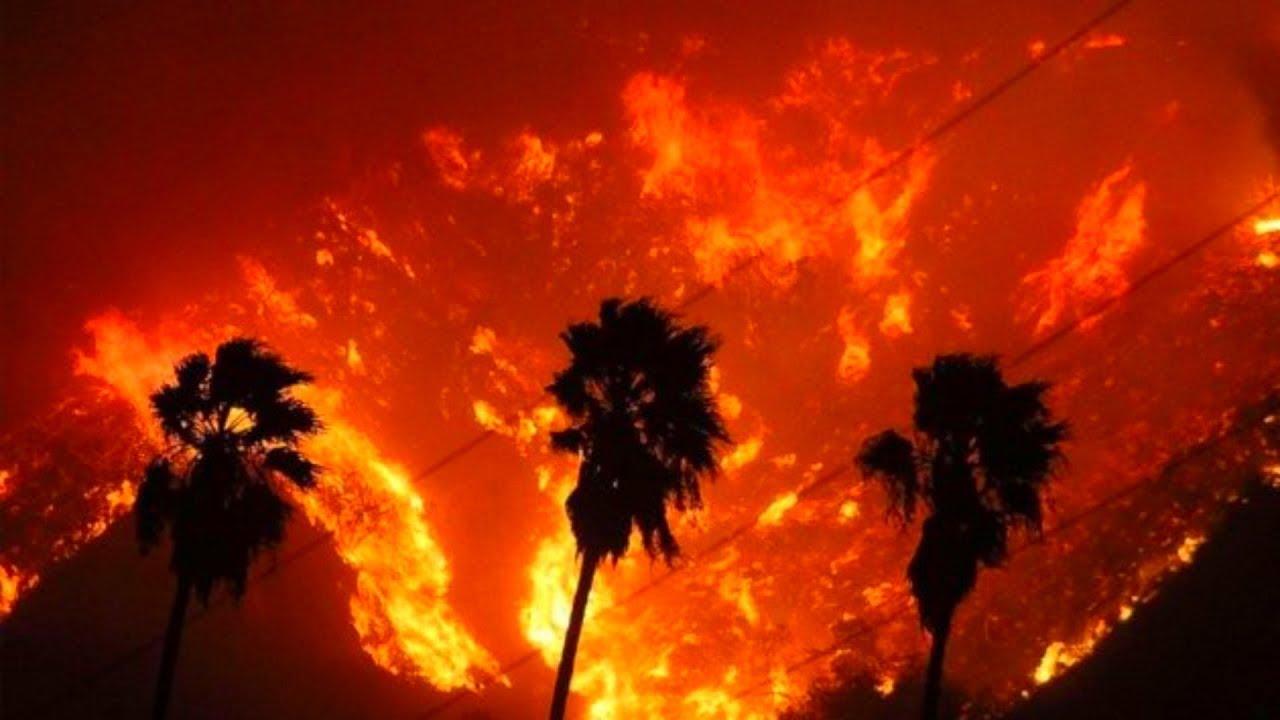Incendiul din California: 84 de persoane au murit, iar peste 560 sunt date dispărute/ Cel puţin 10.000 de case, distruse