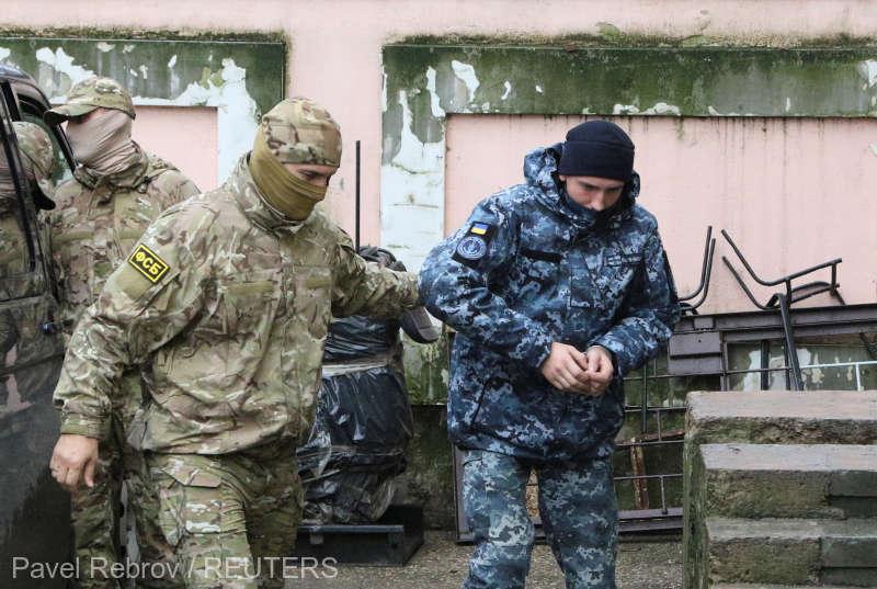 Incident naval în largul Crimeii: Trei marinari ucraineni, în arest preventiv pentru două luni în Crimeea