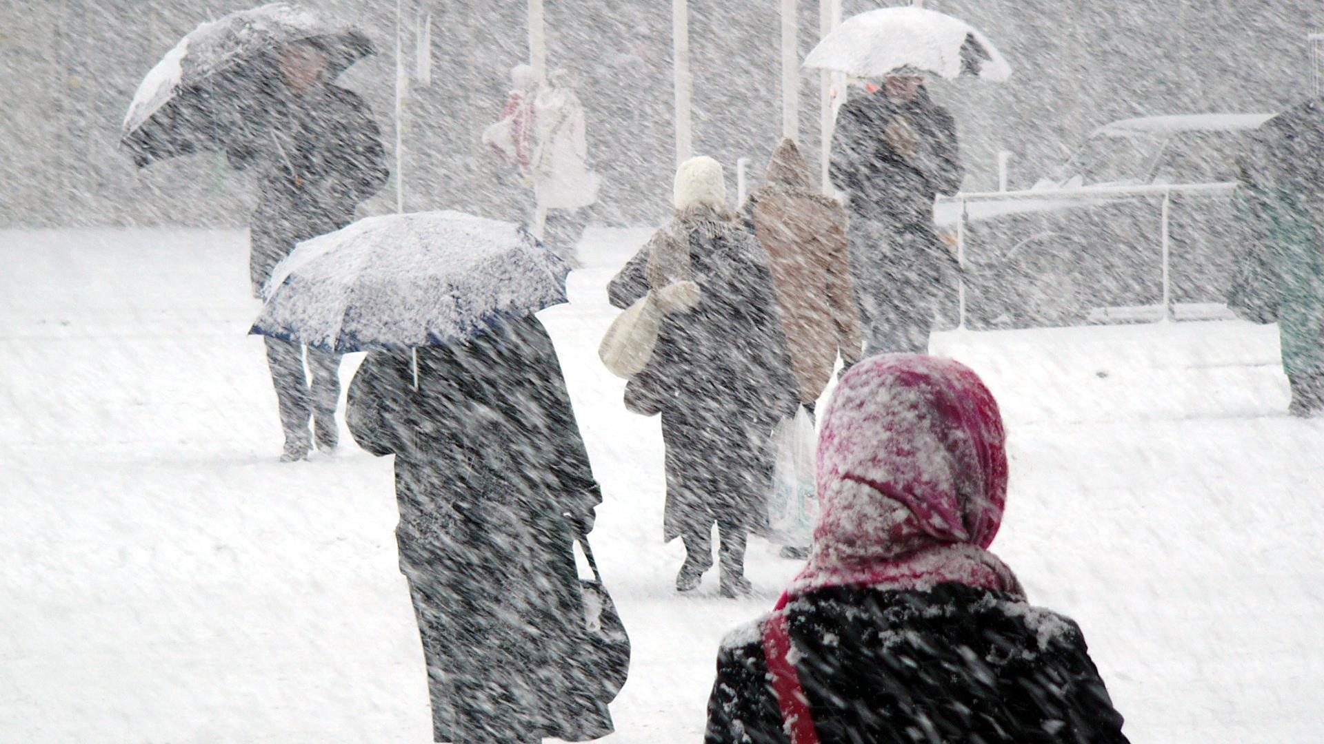 Meteorologii au emis Cod galben de ninsori în mare parte din țară