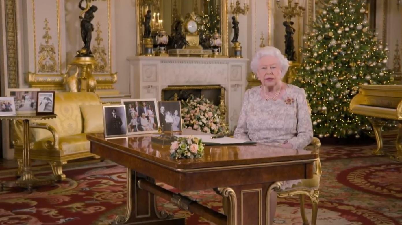 Detaliul controversat care apare în filmarea discursului conciliant de Crăciun al reginei Elizabeta a II-a