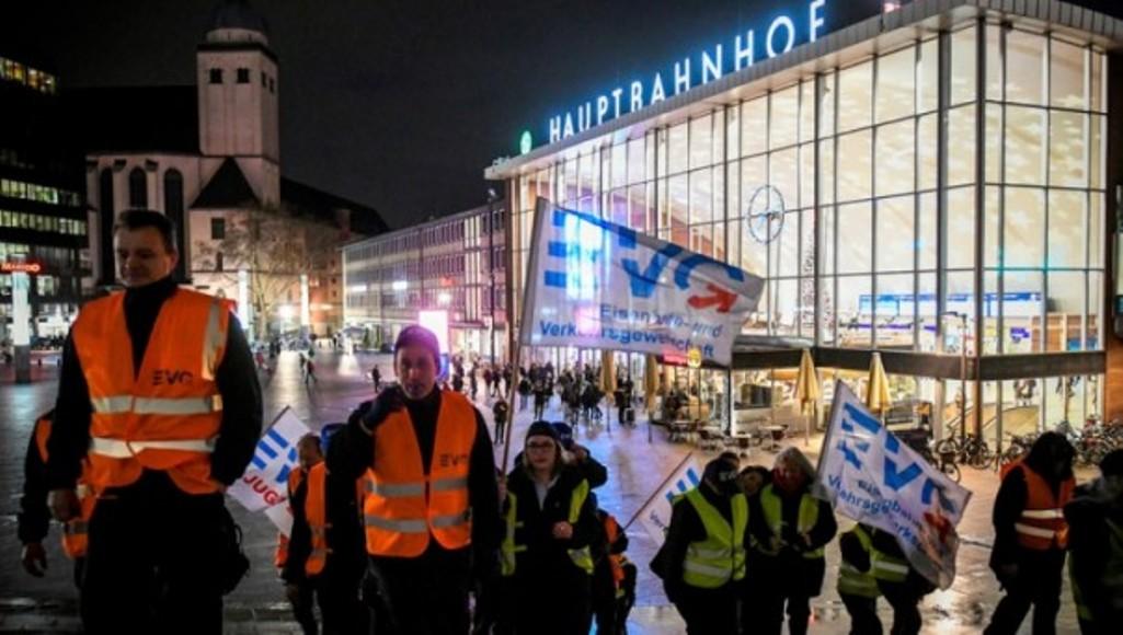 В Германии железнодорожное сообщение парализовано из-за забастовки