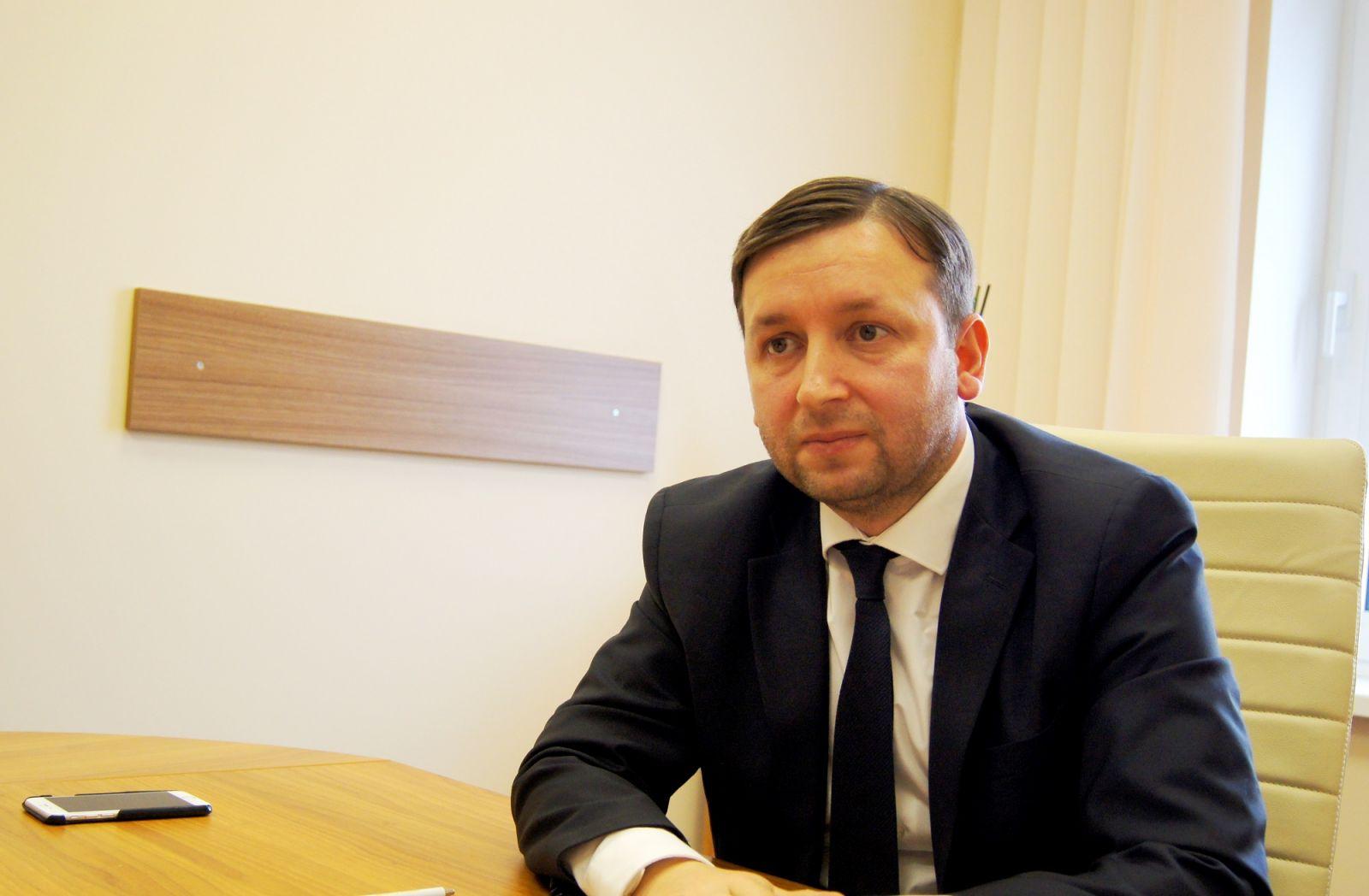 Fostul șef SIS Artur Reșetnicov, aprobat în funcția de judecător la Curtea Constituțională