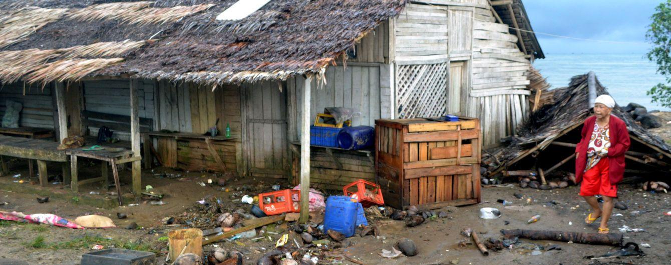 Более 160 человек погибли в результате цунами в Индонезии