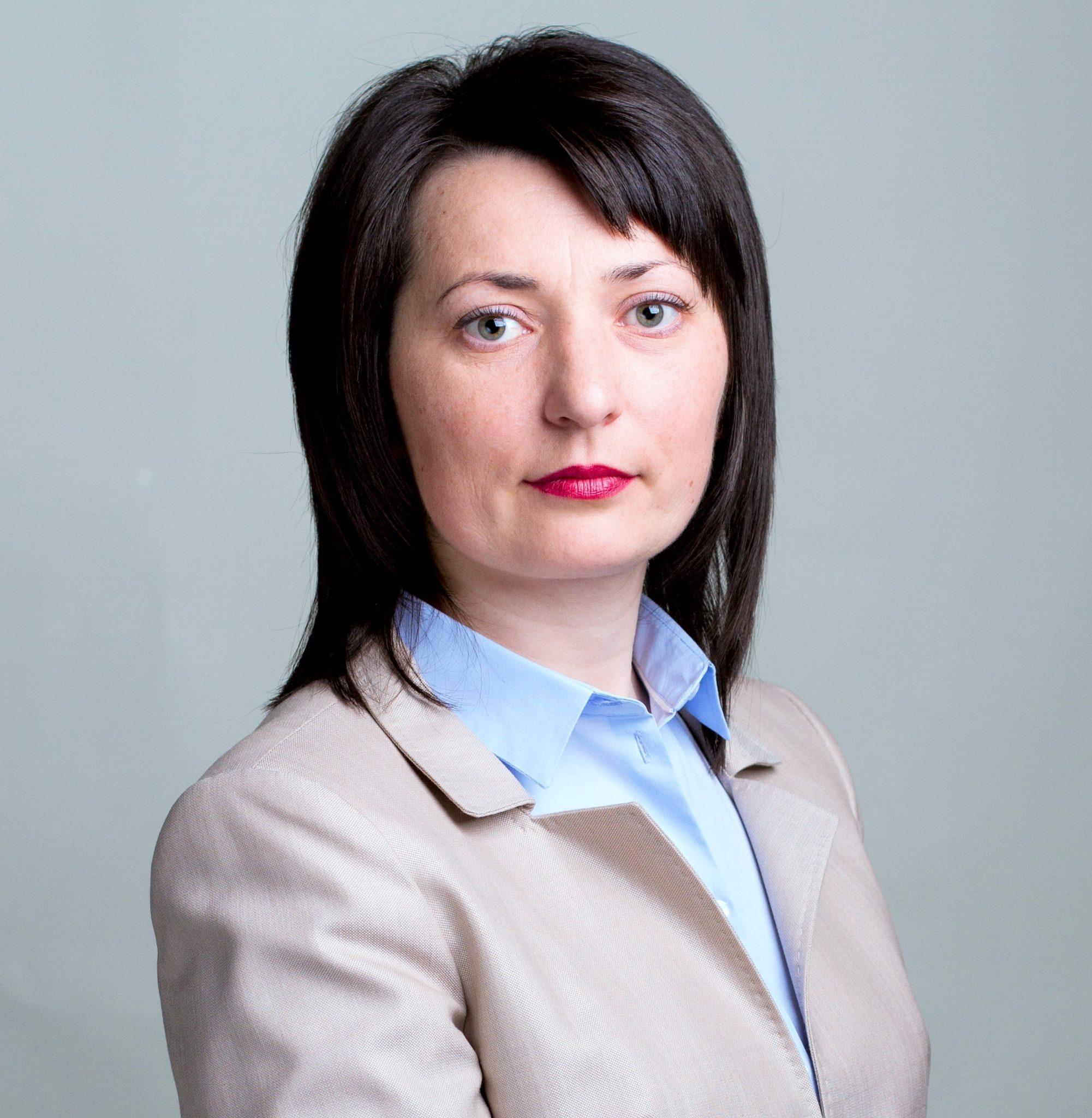 Fosta șefă a BRD și un regizor moldovean stabilit în SUA sunt candidații PDM în două circumscripții din afara țării