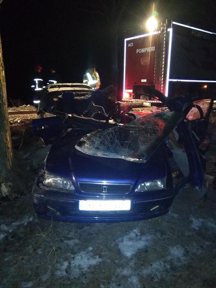 Tragedie în apropiere de satul Camenca, Glodeni. Un tânăr a murit, iar alte două persoane  au fost spitalizate  în stare gravă