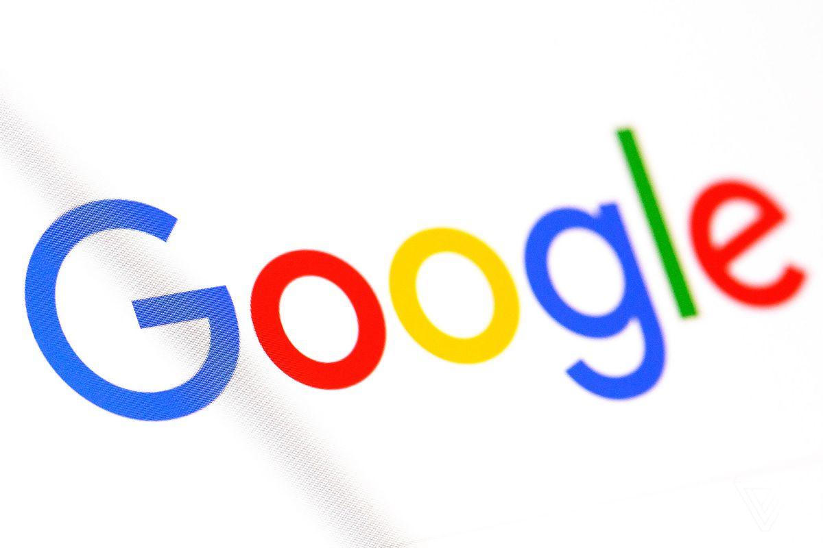 """Directorul Google apără """"integritatea"""" produselor companiei, cu doar o zi înainte de audierile în Congresul SUA"""