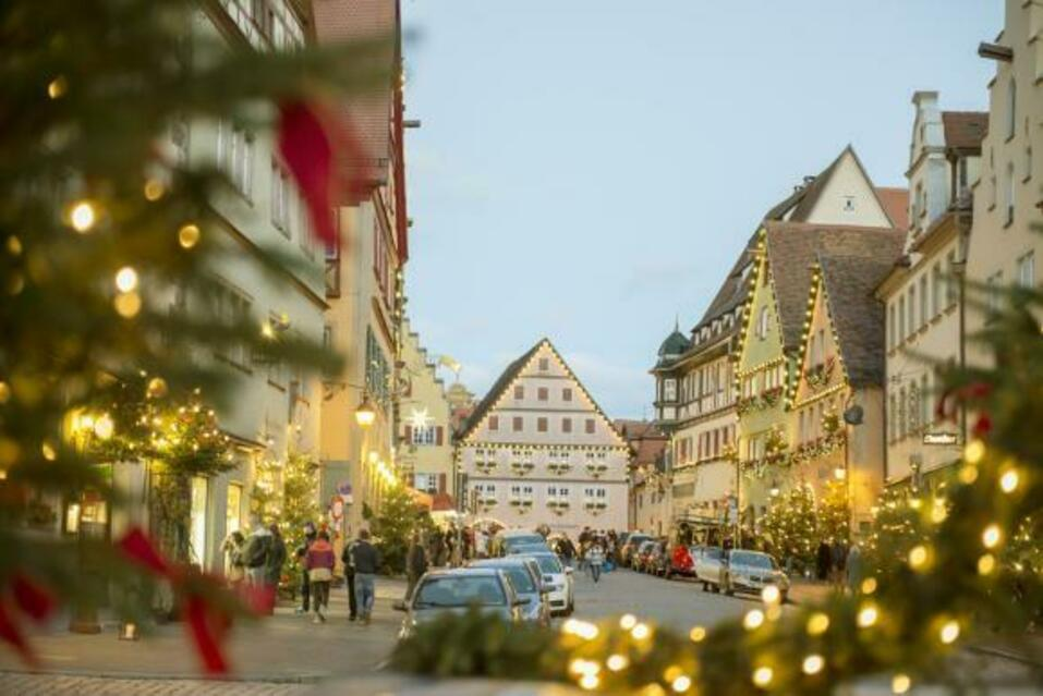 Orașul unde Crăciunul este sărbătorit zilnic, de 40 de ani