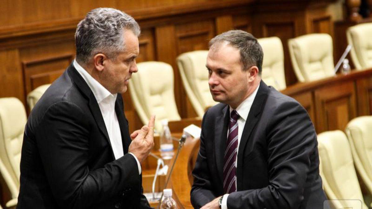 Anatol Moraru // La televiziunile lui Plahotniuc jurnalistica este concepută ca o luptă pe baricade