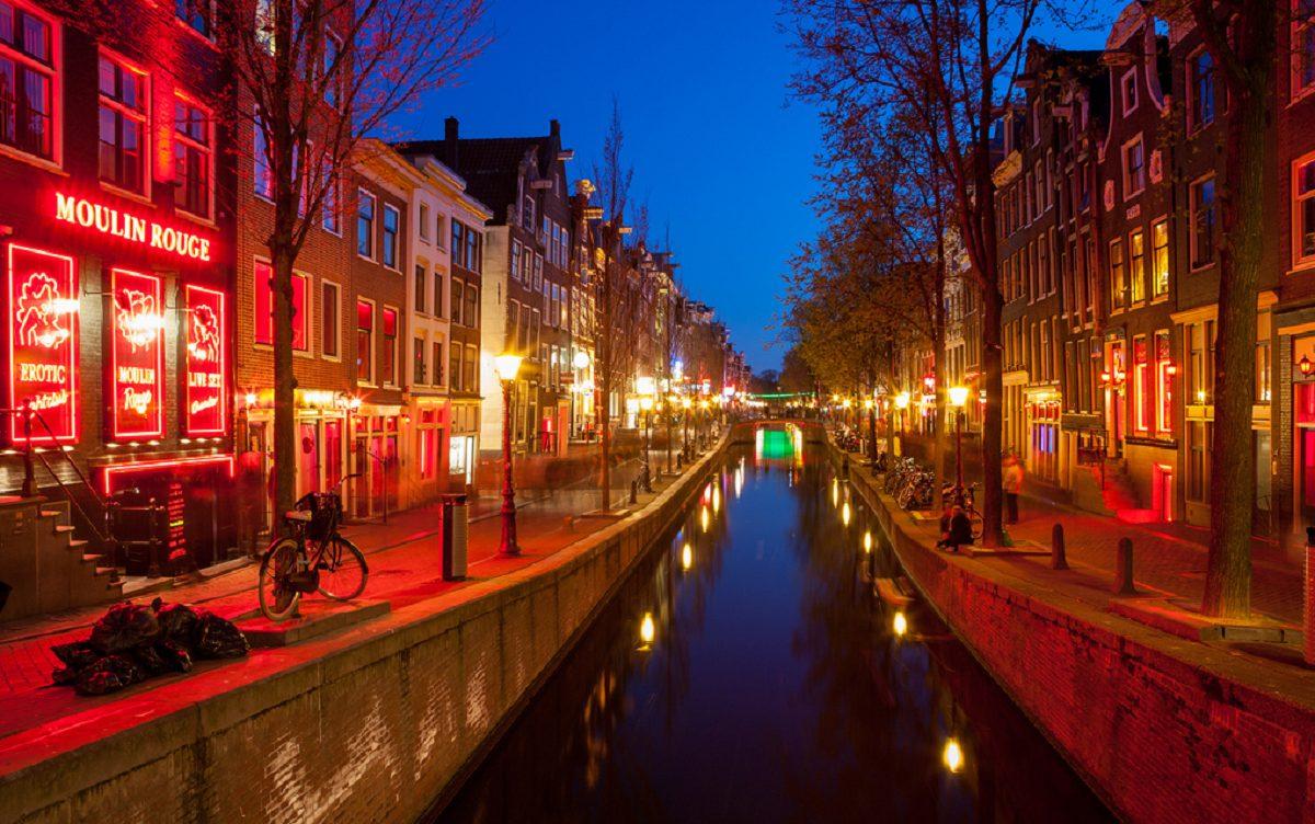 Renumitul Cartier Roșu din Amsterdam ar putea să dispară