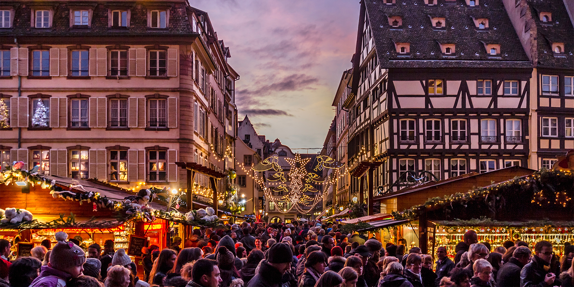 Târgul de Crăciun de la Strasbourg s-a redeschis