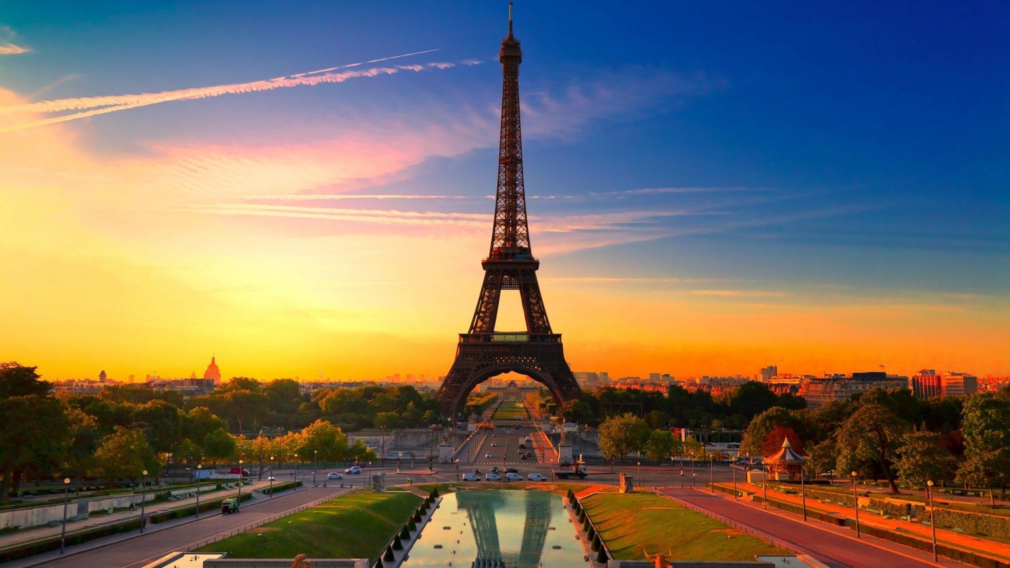 """Turnul Eiffel se închide. Decizia autorităților înaintea protestelor """"vestelor galbene"""""""