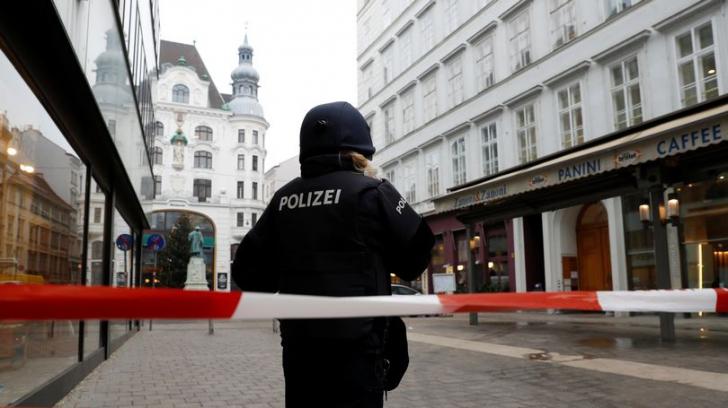 Împușcături la Viena. Atacatorul este căutat de poliție
