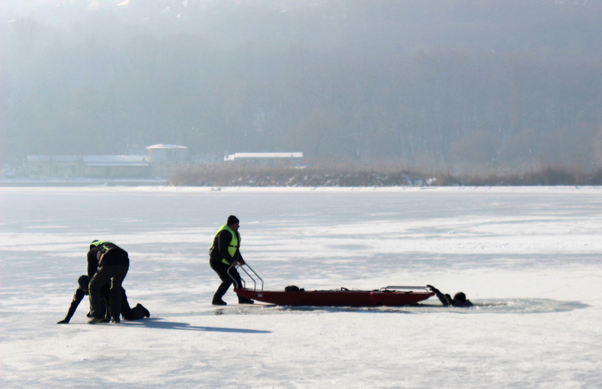 FOTO/VIDEO | Continuă campania de prevenire a înecului în perioada de iarnă