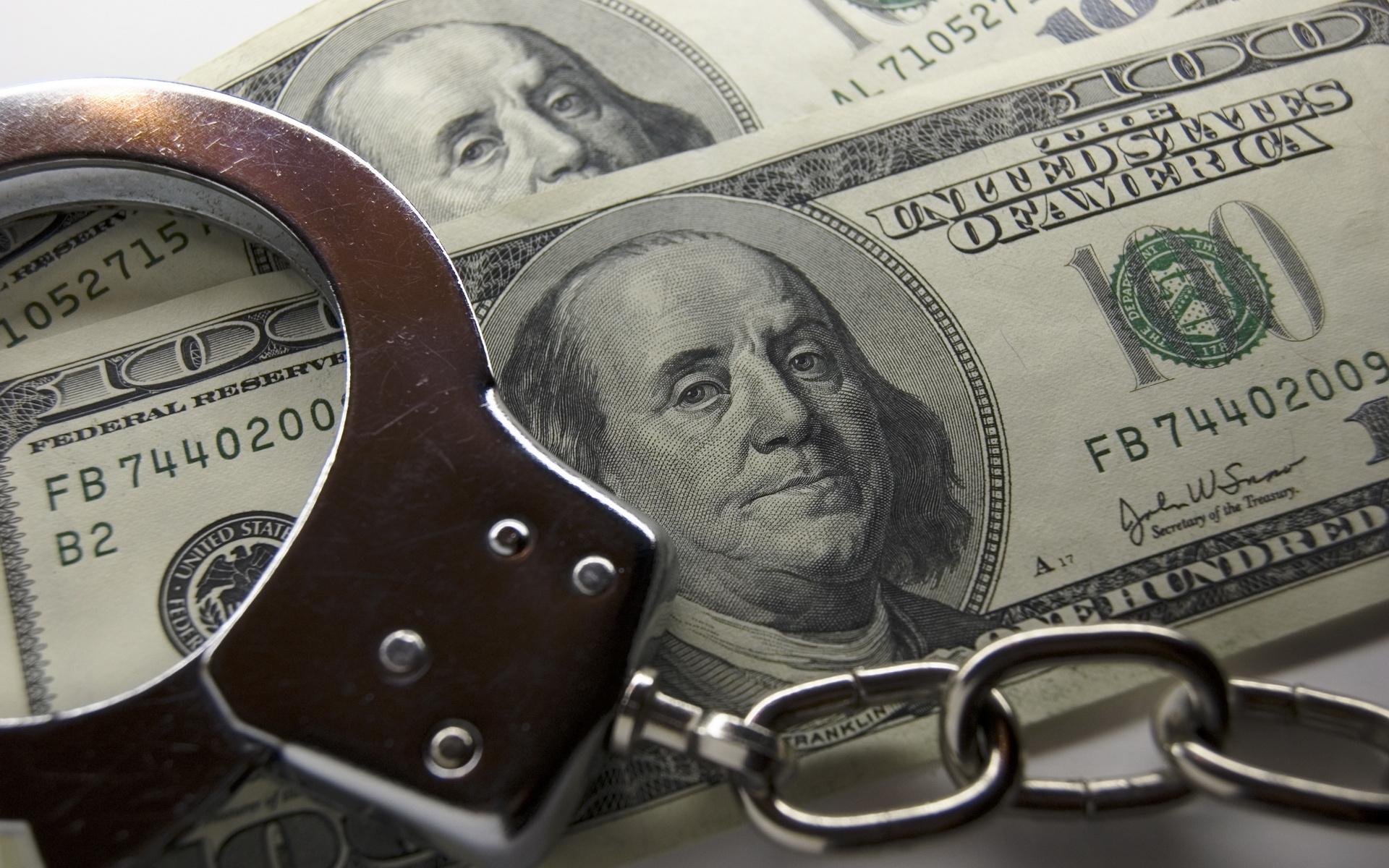 Procuratura anticorupție a inaintat în instanță cazul unui medic suspectat de dare de mită