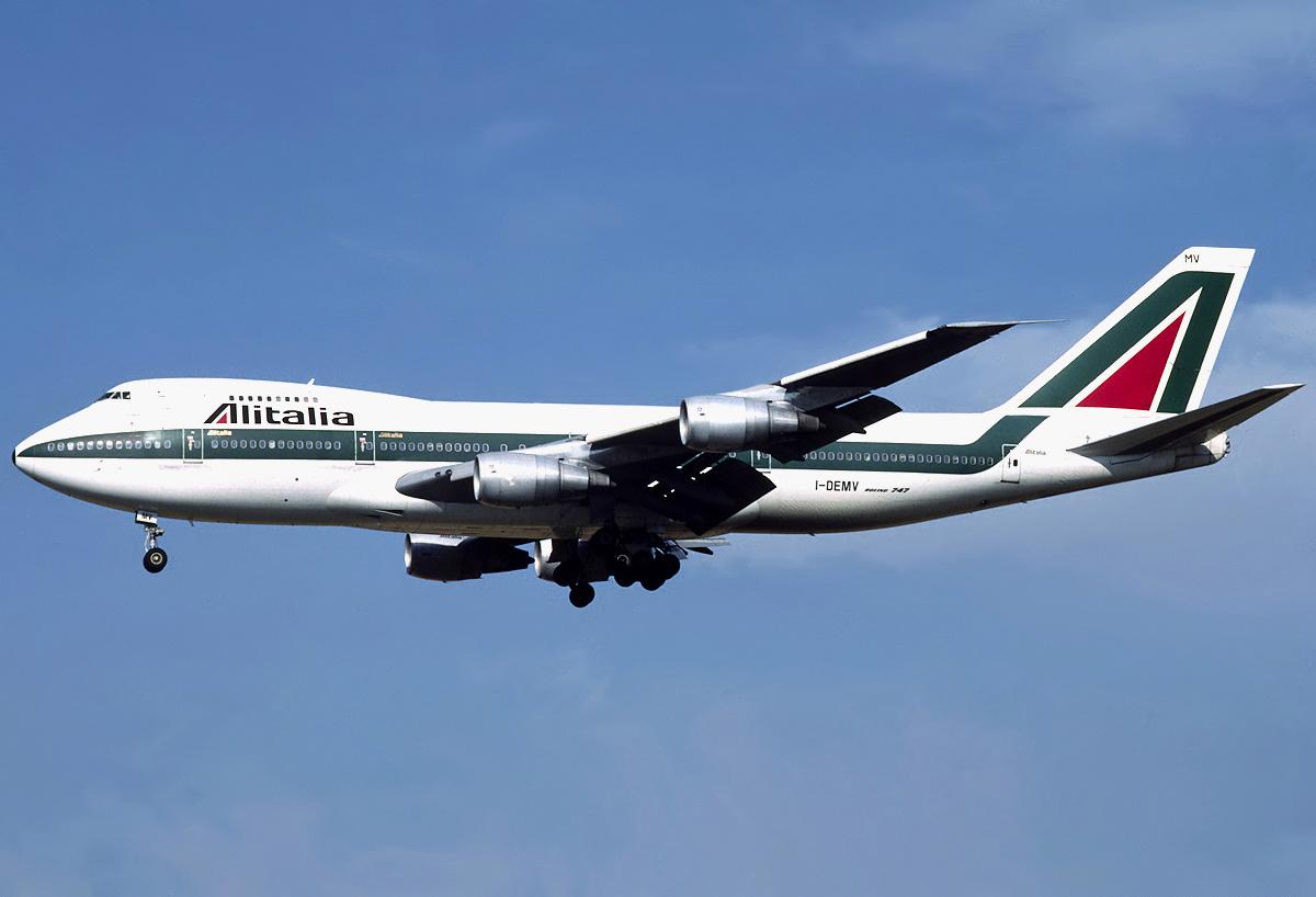 FOTO | Un avion Boeing 747 va fi scufundat intenţionat