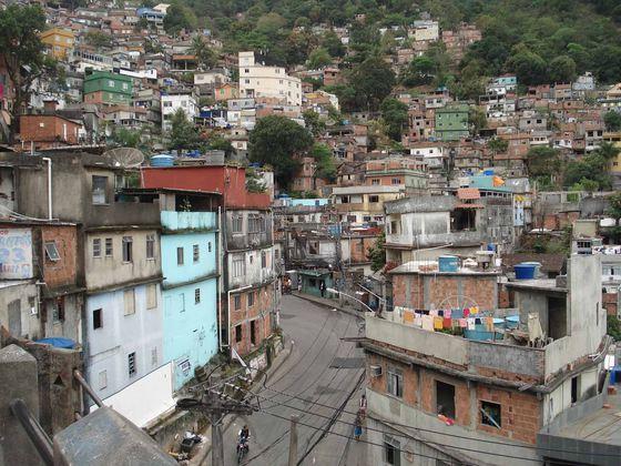 Cel puţin 50 de persoane au murit în urma ruperii unui baraj din Brazilia