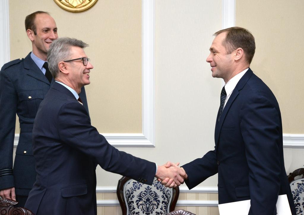FOTO | Dialog moldo-britanic la Ministerul Apărării